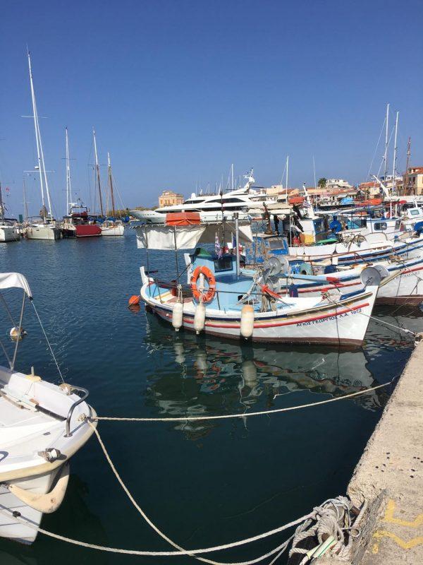 Små fiskerbåde Aegina